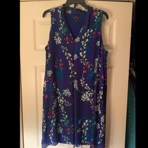 Sleeveless blue floral summer dress